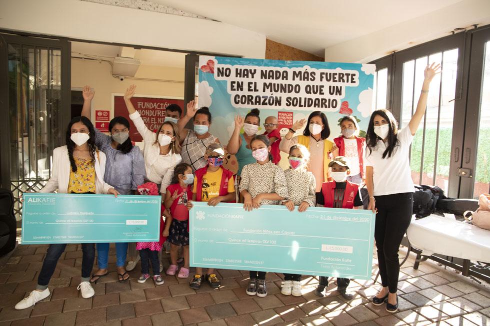 Fundación Kafie y Ali Kafie entregan donativo resultado del Gratitud Giveaway.